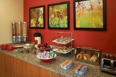 TownePlace Suites | Breakfast