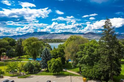 Exterior View | Riverside Park