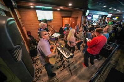 Backstreets Tiki Bar & Grille band