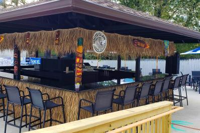 Backstreets Tiki Bar & Grille bar area