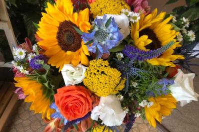 The Petal Pusher Flowers & Gifts