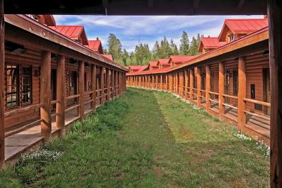 Elk Mountain Resort Rooms