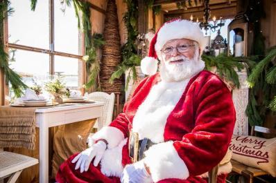 Lake Mohawk German Christmas Market Santa