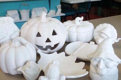 JACCS ART White Ceramic Pumpkins