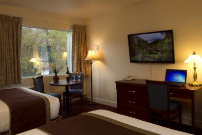 Scotts Inn Room