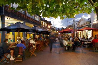 Diners Al Fresco - Queenstown Bay