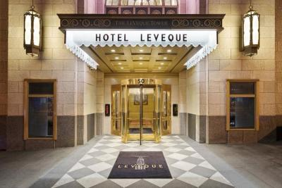 Hotel LeVeque Entrance
