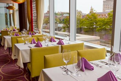Table seating and table placements in a Riverwalk Providence restaurant