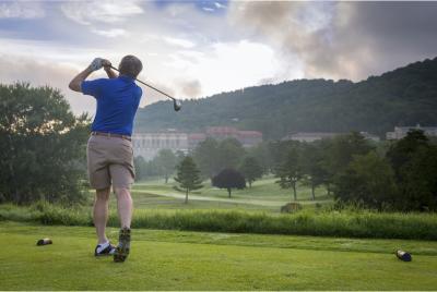 Golfer at The Omni Grove Park Inn