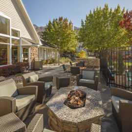 Outdoor Patio & Grill Area