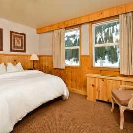 Alpine Room w/Queen Bed