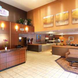 Lobby & Dinning Area