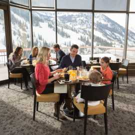 Dining at The Cliff Lodge