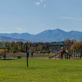 Plenty of facilities like playgrounds, bathrooms, and covered picnic tables, photo by Kyle Jenkins