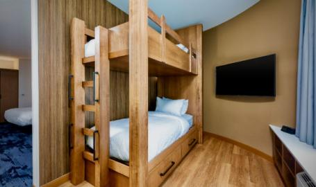 Fairfield by Marriott Fair Oaks bunk beds