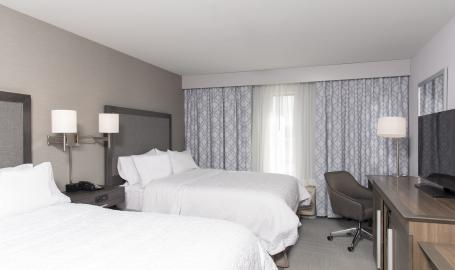 Hampton-inn-michigan-city-room