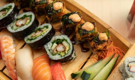 Umi Wooden Boat Sushi Tray
