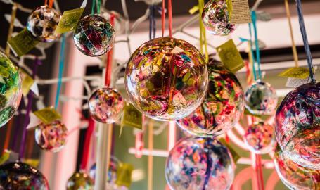 lifestyles-ornaments