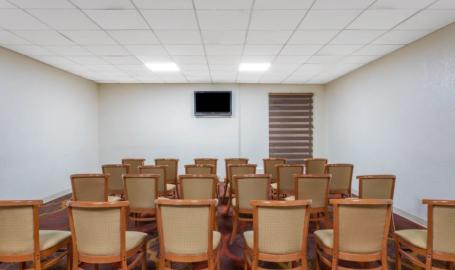 Days Inn Hammond Small Meeting Room