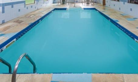 Super 8 Motel Hotel Valparaiso Pool