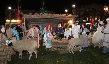 Valparaiso Community Festivals and Events Things to Do Holly Days