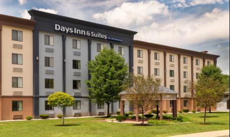 Days Inn Building (front)
