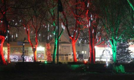 Chicago Christmas Tree Lighting 2019.Celebration Of Lights In East Chicago East Chicago In 46312