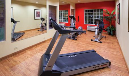 Country Inn and Suites Hotel Valparaiso fitness room