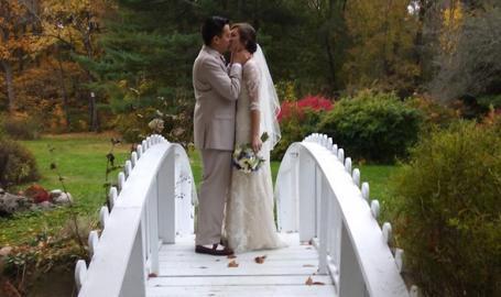 Friendship Botanic Gardens wedding bride and groom