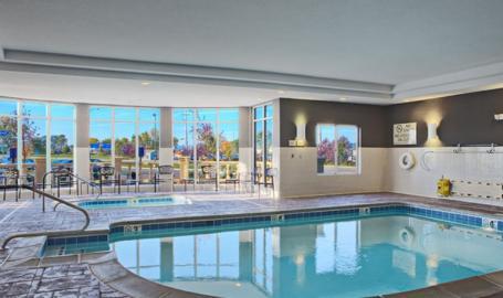 Hilton Garden Inn Merrillville Hotel pool
