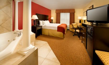 Holiday Inn Express Schererville Hotel King with whirlpool