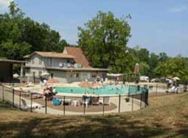 Pool area at Lookout Mountain KOA/Chattanooga West