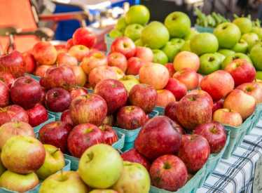 Chattanooga Market_Apples