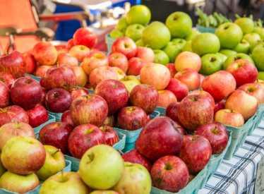 Chattanooga Market_Apples