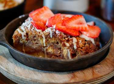Puckett's Chattanooga Special Honey Bun Bread Pudding