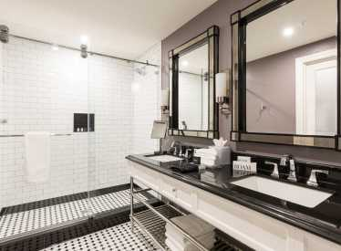 Premiere Tower Bathroom