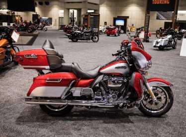 White Lightning Harley Davidson_Interior