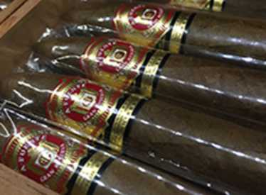 Cigars at Burns Tobaccionist/Hamilton Place