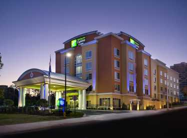 Holiday Inn Express & Suites Ooltewah