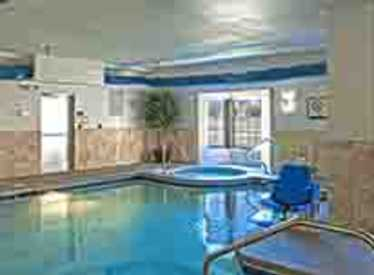 Pool at Staybridge Suites/Hamilton Place
