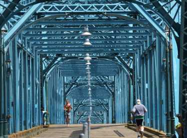 Walnut Street Pedestrian Bridge
