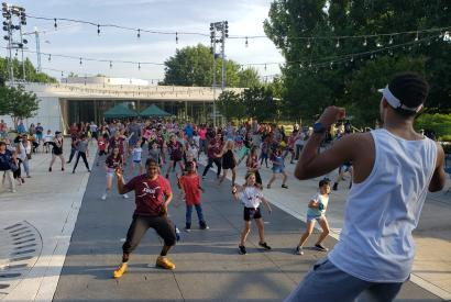 Dancing in the Gardens featuring 90s Hip Hop