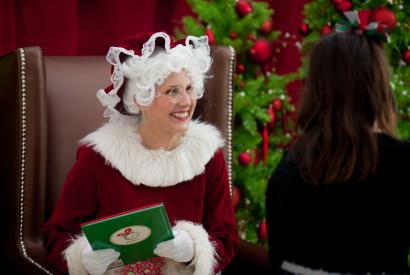 Streetcar Storytime with Mrs. Claus 2019