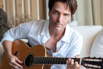 A SOLO ACOUSTIC EVENING WITH RICHARD MARX @ Tower Theatre