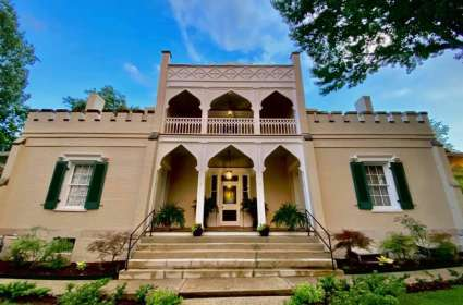 Candlelight Tour of the Athenaeum