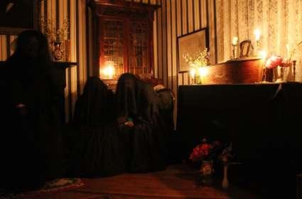 Candlelight Tour