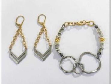 Sip & Bead: Intermingling Metal Bracelet & Earring Set Sun April 28