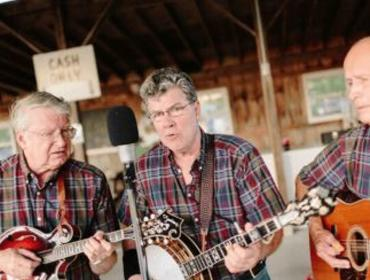 Music on the Lawn with Mud Creek