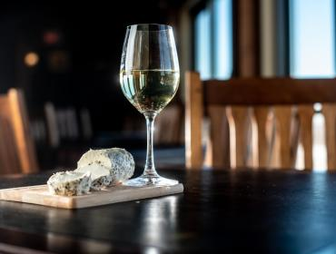 Seneca Lake Wine Trail Artisan Cheese & Wine
