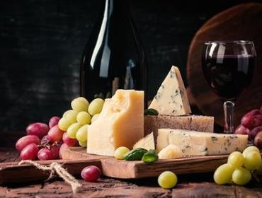 Club McKenzie: Holiday Wine & Cheese Pairings
